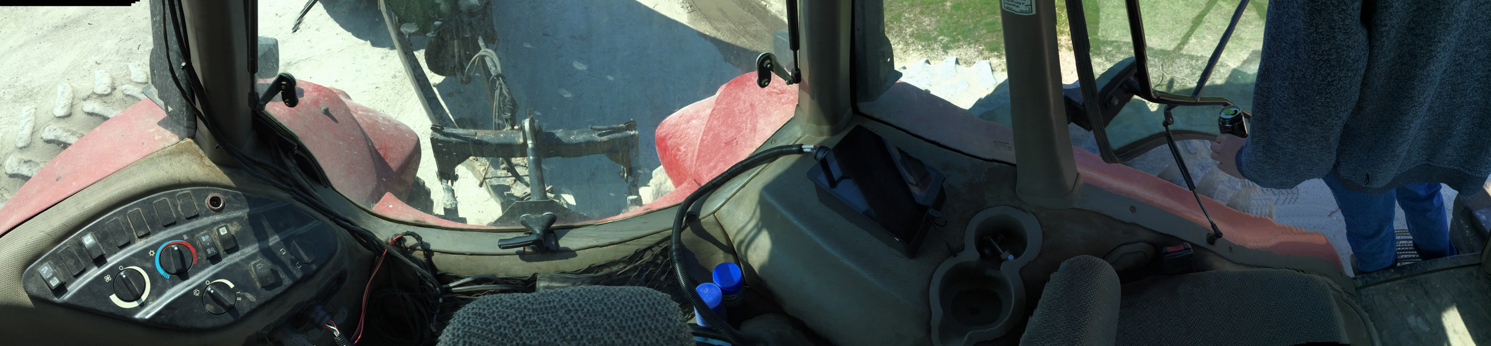 CANdroid deployed in a tractor